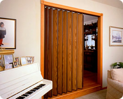Folding doors accordion folding doors room dividers for Retractable walls residential